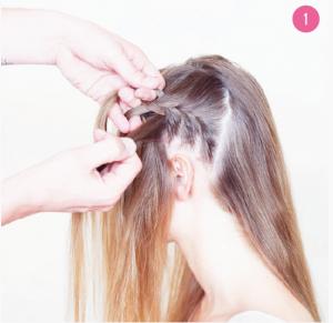 Tag en tredjedel af håret fra den forreste del af hovedet, og begynd at flette det som en fransk fletning. Den skal starte ved øret og gå fremad mod panden.