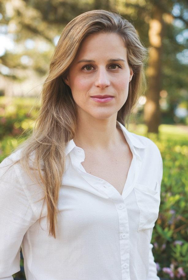 Lauren Groff er født i 1978 i Cooperstown, New York og bor i Gainesville, Florida med sin mand og deres to børn. Hun er forfatter til tre New York Times-bestsellerromaner, hvoraf SKÆBNE OG HÆVN er den første på dansk og udkommer i 20 lande. Skæbne og hævn udkom i USA i 2015 og er blevet udråbt til en af årets bedste bøger af bl.a. New York Times, Guardian, Washington Post, Huffington Post, Library Journal, Goodreads.com, Barnes & Noble og Amazon.com.