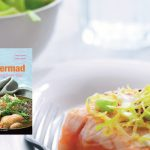 Hahnemanns sommermad: Marineret laks med spidskålssalat