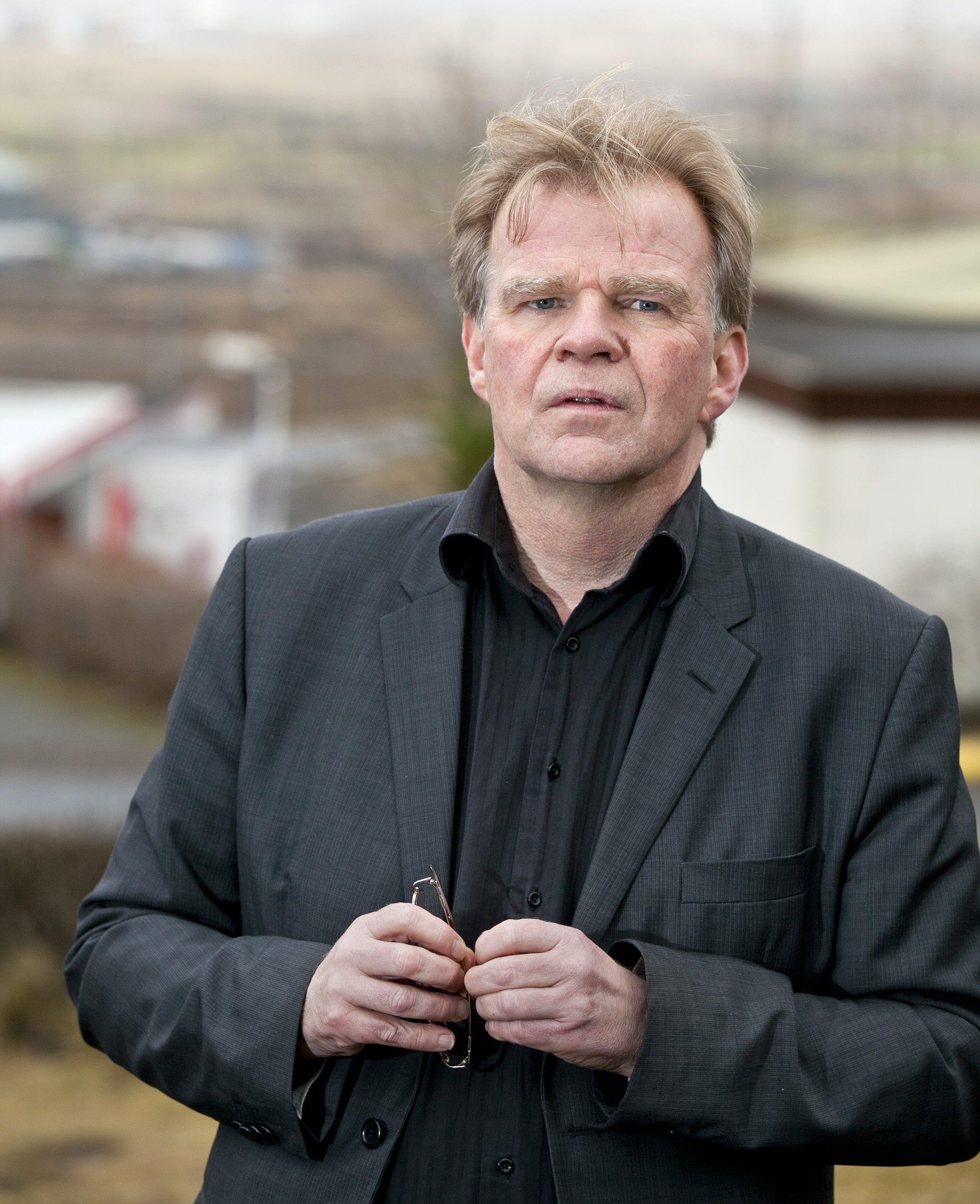 Einar Már Guðmundsson, pasfotos, store forfattere, universets engle, island, samlede værker, lindhardt og ringhof, nordisk råds litteraturpris