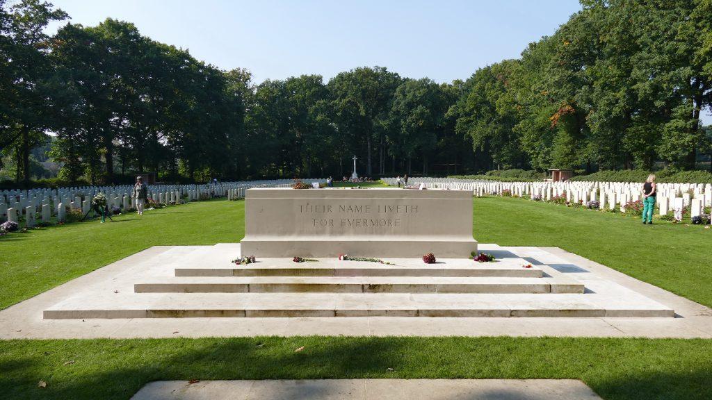 Arnhem, Antony Beevor, Airborne Cemetery, Oosterbeek