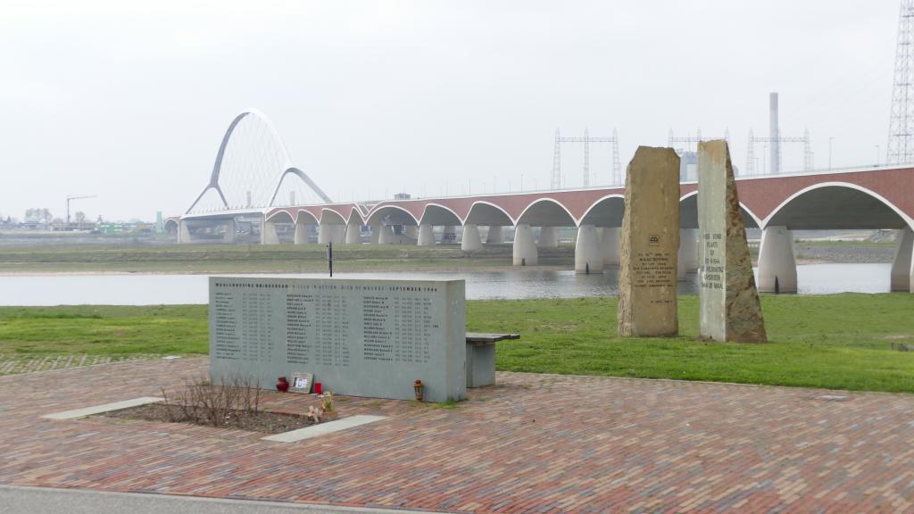 Arnhem, Antony Beevor, De Oversteek