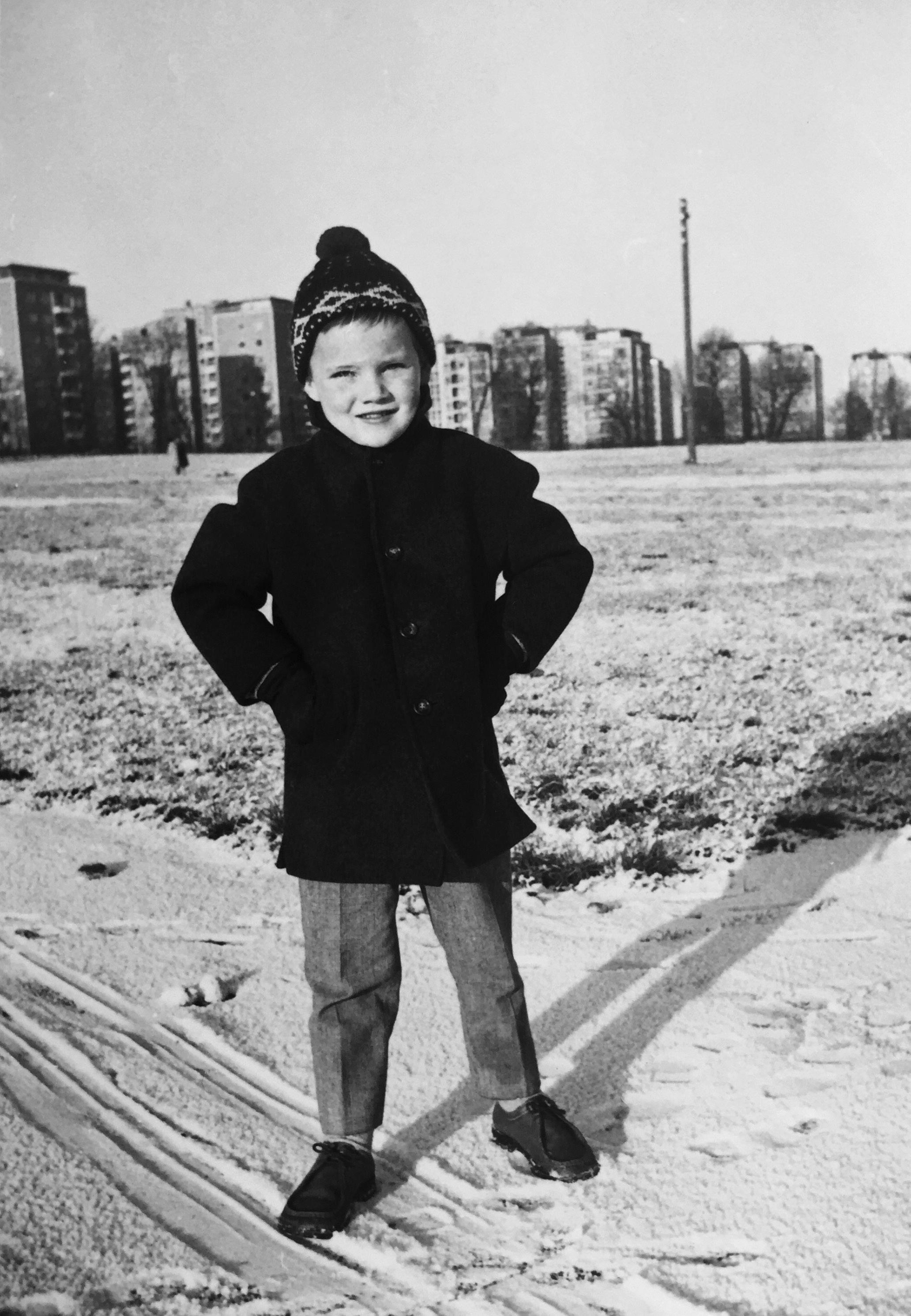 Barndom, 1960, 1960'erne, 60'erne, de glade 60'ere, Min barndom, kendte danskere om deres barndom, Jes Stein Pedersen, Camilla Plum, Jesper Theilgaard, Mogens Blom, Hanne Richardt Beck.