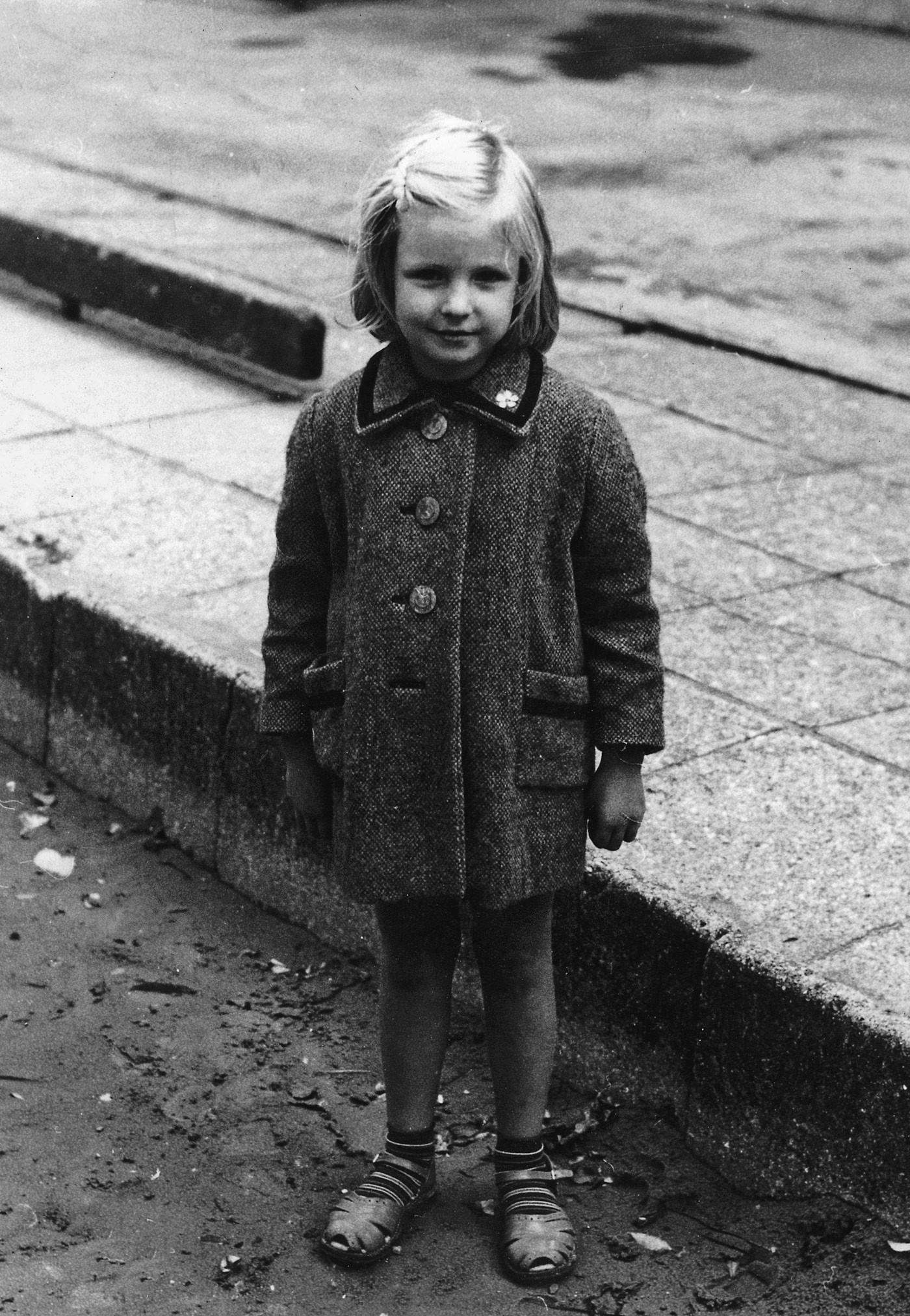Pia Fris Laneth, Barndom, 1960, 1960'erne, 60'erne, de glade 60'ere, Min barndom, kendte danskere om deres barndom, Jes Stein Pedersen, Camilla Plum, Jesper Theilgaard, Mogens Blom, Hanne Richardt Beck.